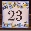 Números, rótulos y placas de calle